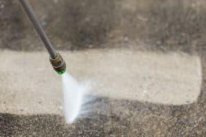 beton aan het reinigen